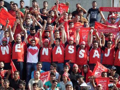 تجمع اعتراض آمیز هواداران نساجی مقابل استانداری