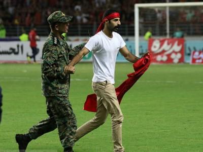 وزیر ورزش: هواداران بد سابقه اجازه ورود به ورزشگاههای فوتبال را ندارند