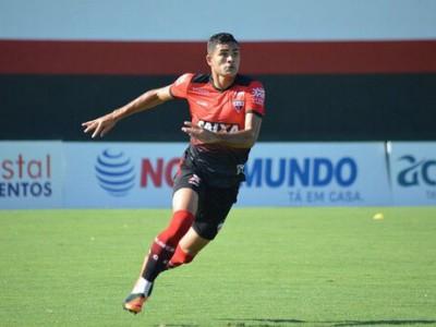 رونمایی از بازیکن برزیلی پرسپولیس مقابل تراکتور