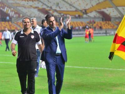 آذری: فدراسیون از ورود دوربینها به ورزشگاه ها جلوگیری کند