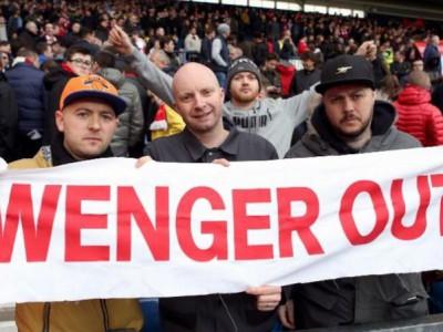 اشلی کول: هواداران عاقبت wnger out را متوجه شدند